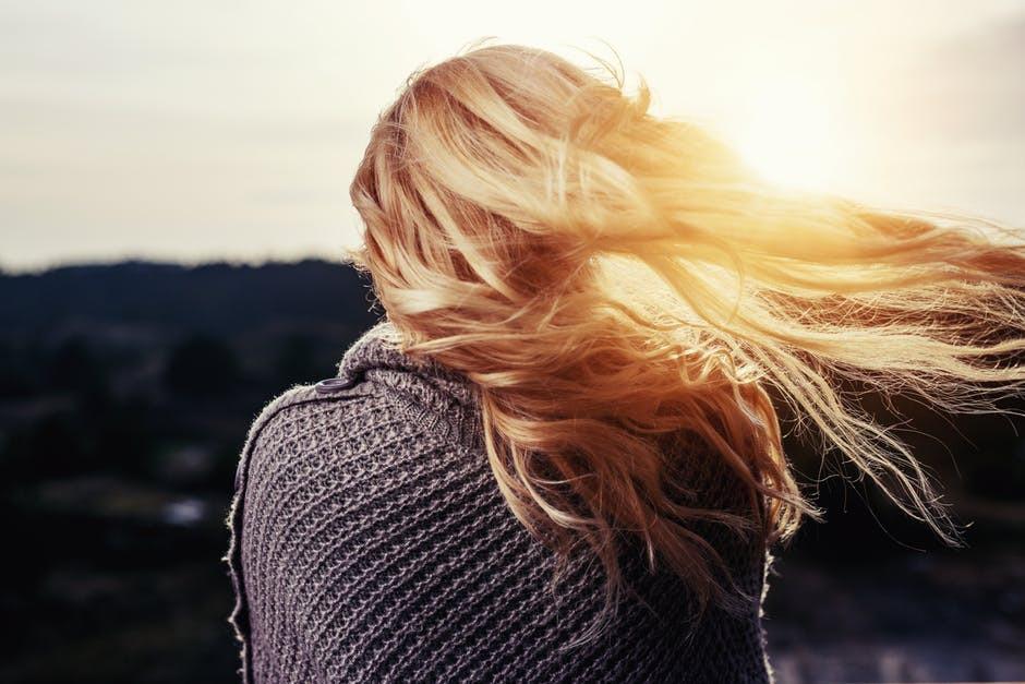 Najmodniejsze jesienne fryzury [WIDEO]