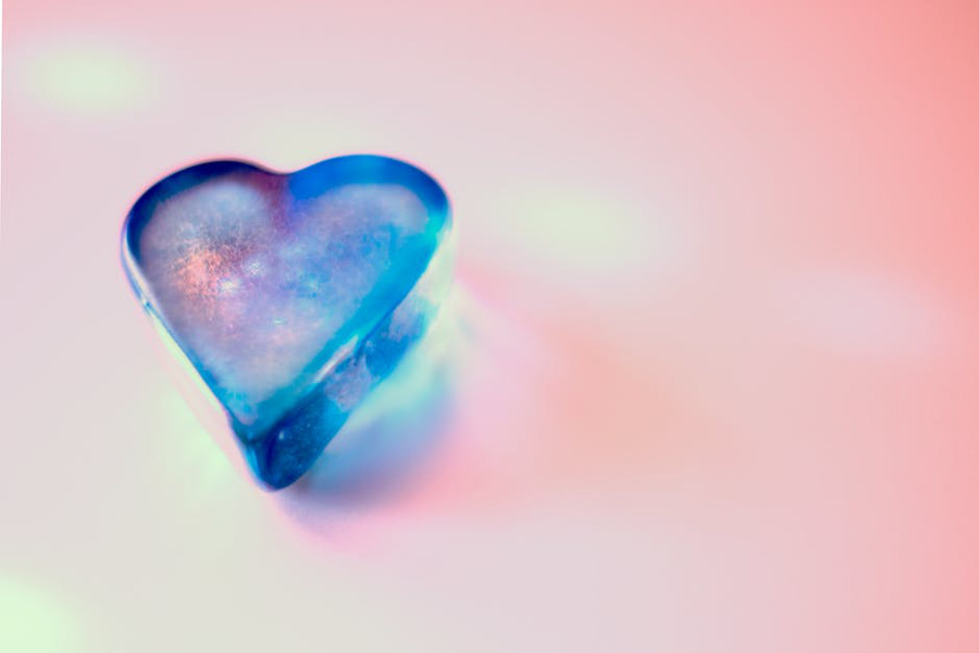 serce na różowym tle