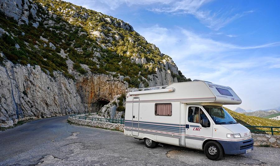 kamper w górach