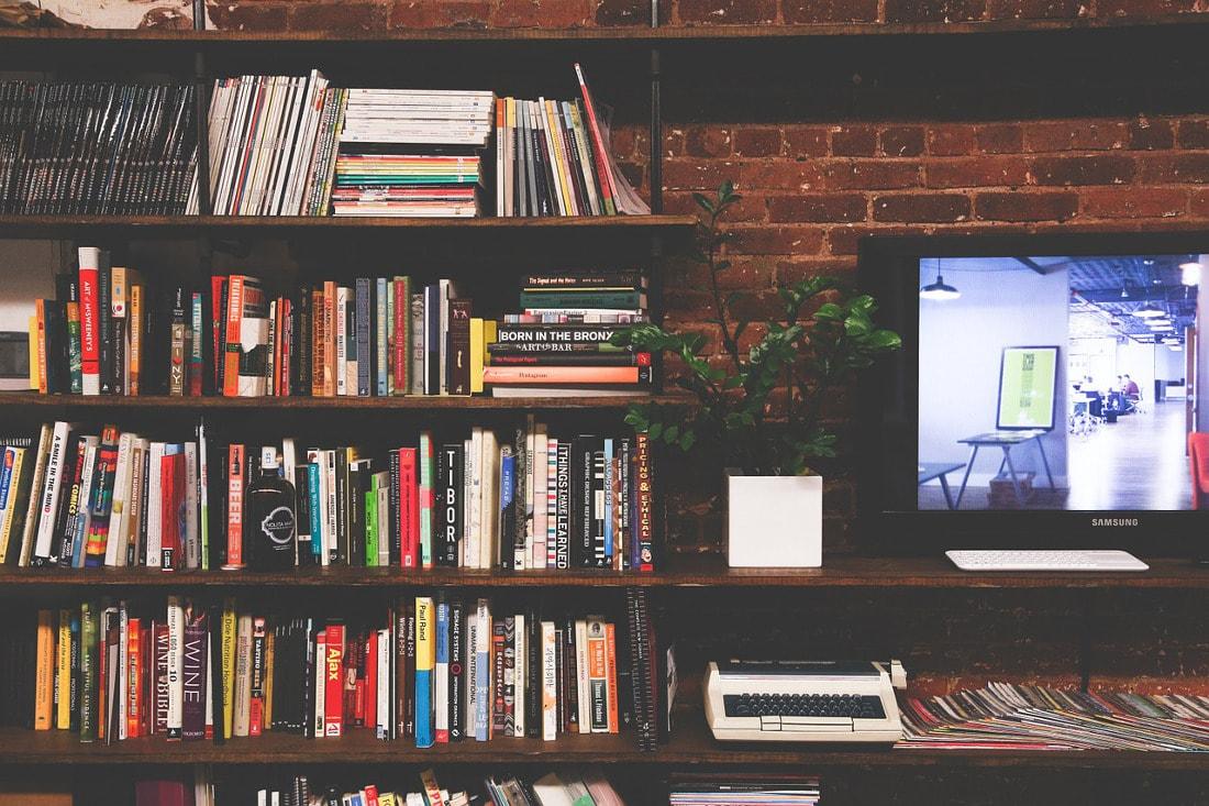 Self Storage może być rozwiązaniem dla nadmiaru książek na domowych półkach.