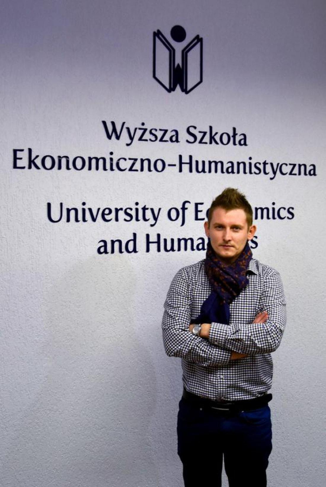 Mateusz Stwora to student Wyższej Szkoły Ekonomiczno-Humanistycznej w Bielsku-Białej.