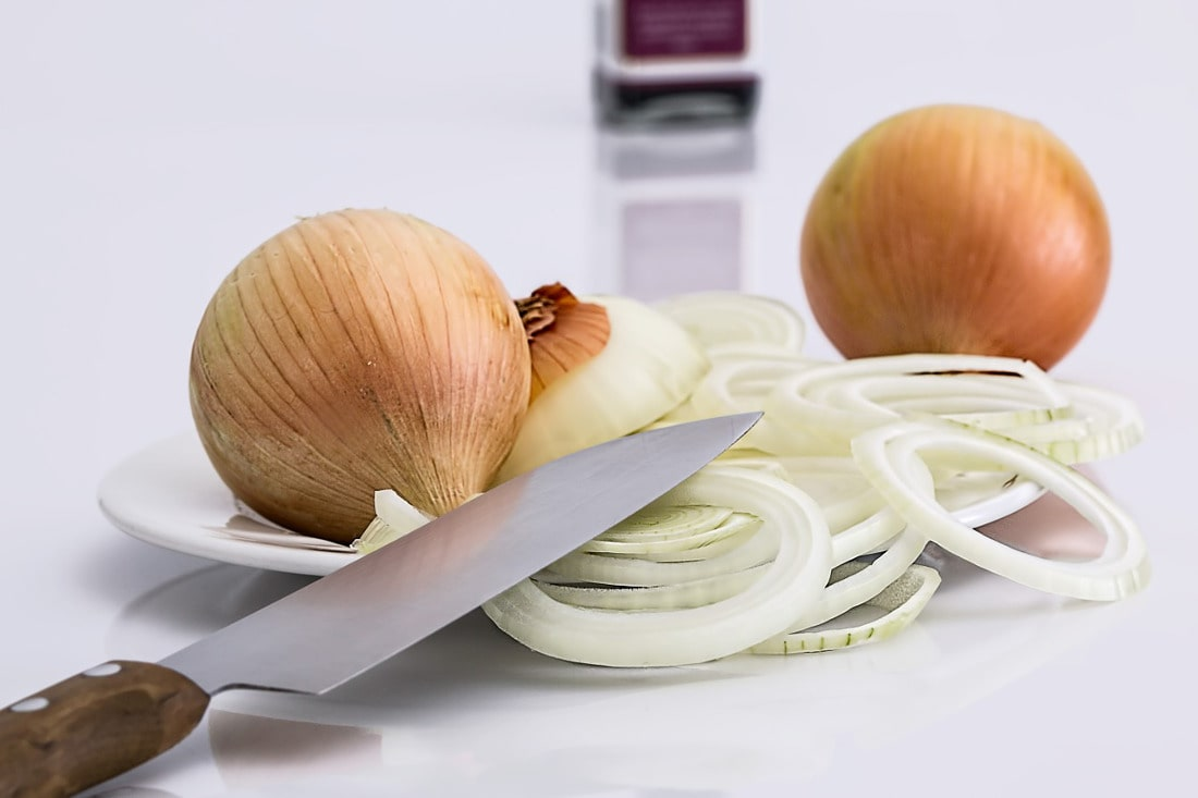 Zobacz, jak można wykorzystać łupiny z cebuli!