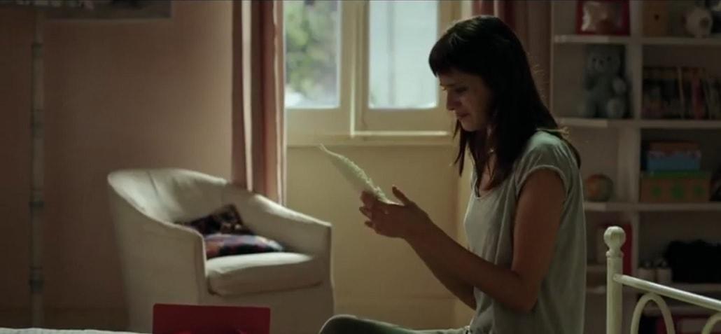 Anna czyta list