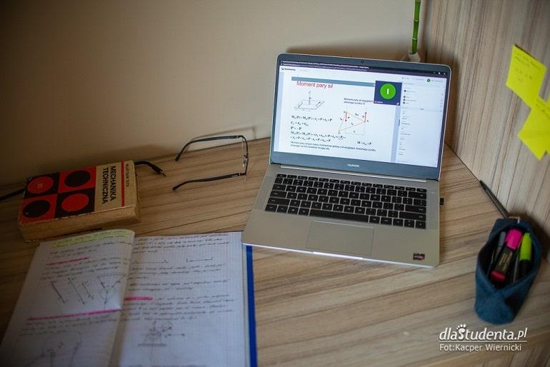 Biurko ucznia, nauka zdalna
