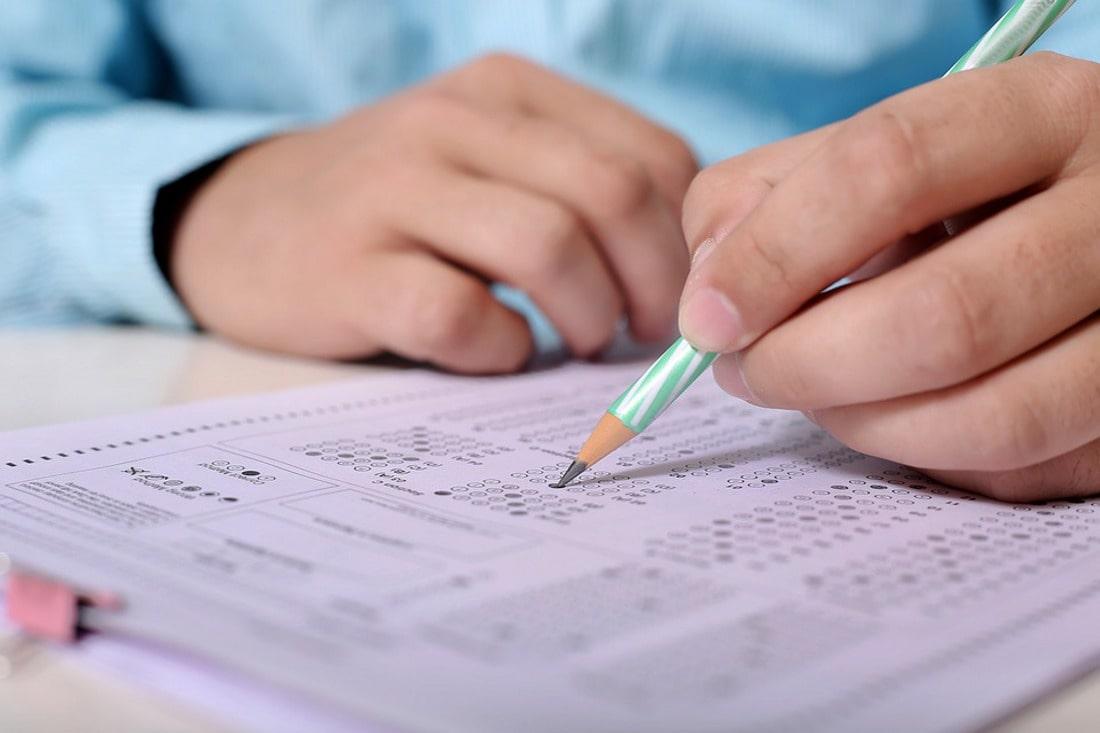 Zobacz co trzeba wiedzieć o egzaminach eksternistycznych na każdym etapie kształcenia.