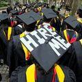 Statystyczny student chce pracować w korporacji za 2-3 tys. na umowę o pracę [RAPORT] - pierwsza praca, zarobki, umowy, absolwenci, studenci, praca, raport, badanie