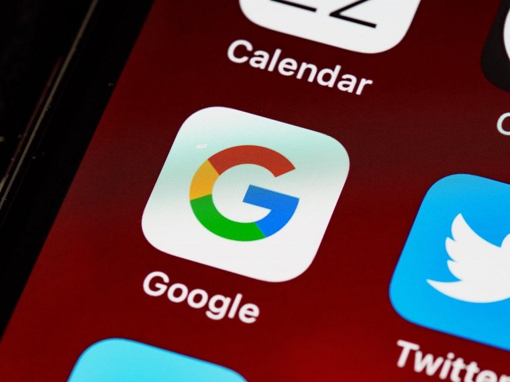 Ikonka aplikacji Google na ekranie smartfona