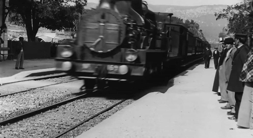 Screen z odświerzonej wersji Wjazd pociagu braci Lumiere