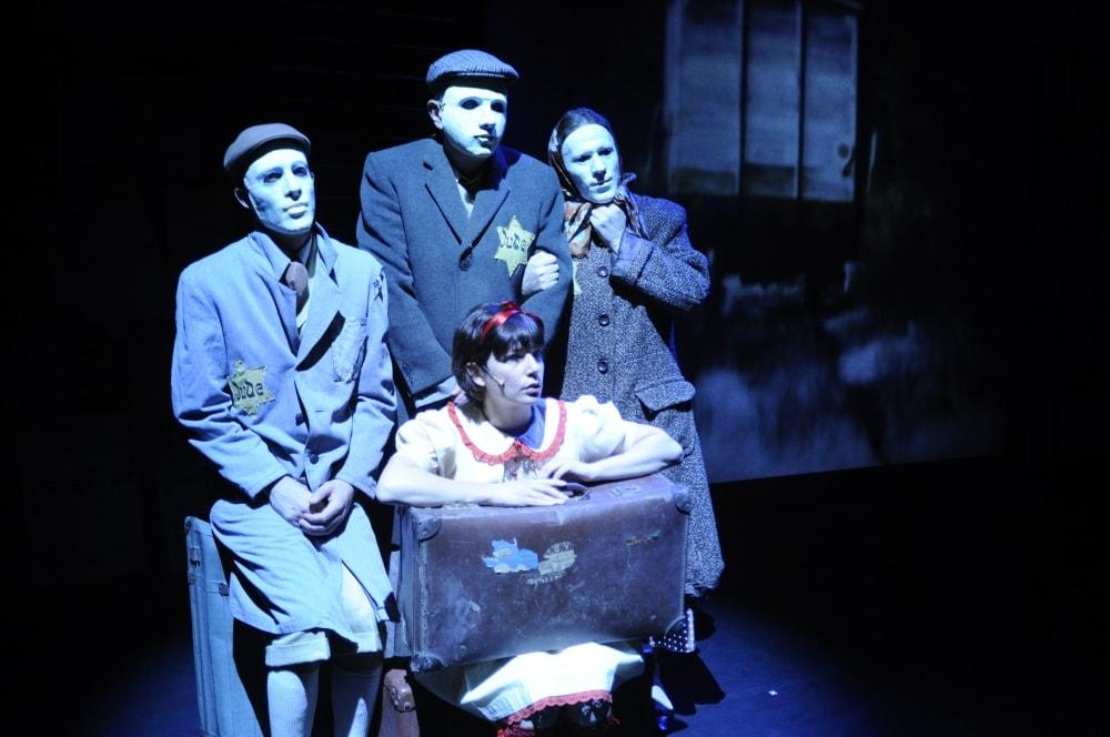 Hana's suitcase, Teatr Naphesh