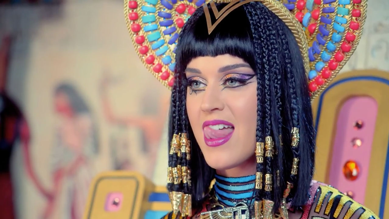 Nowy teledysk Katy Perry do Birthday został nakręcony na początku kwietnia 2014 roku.