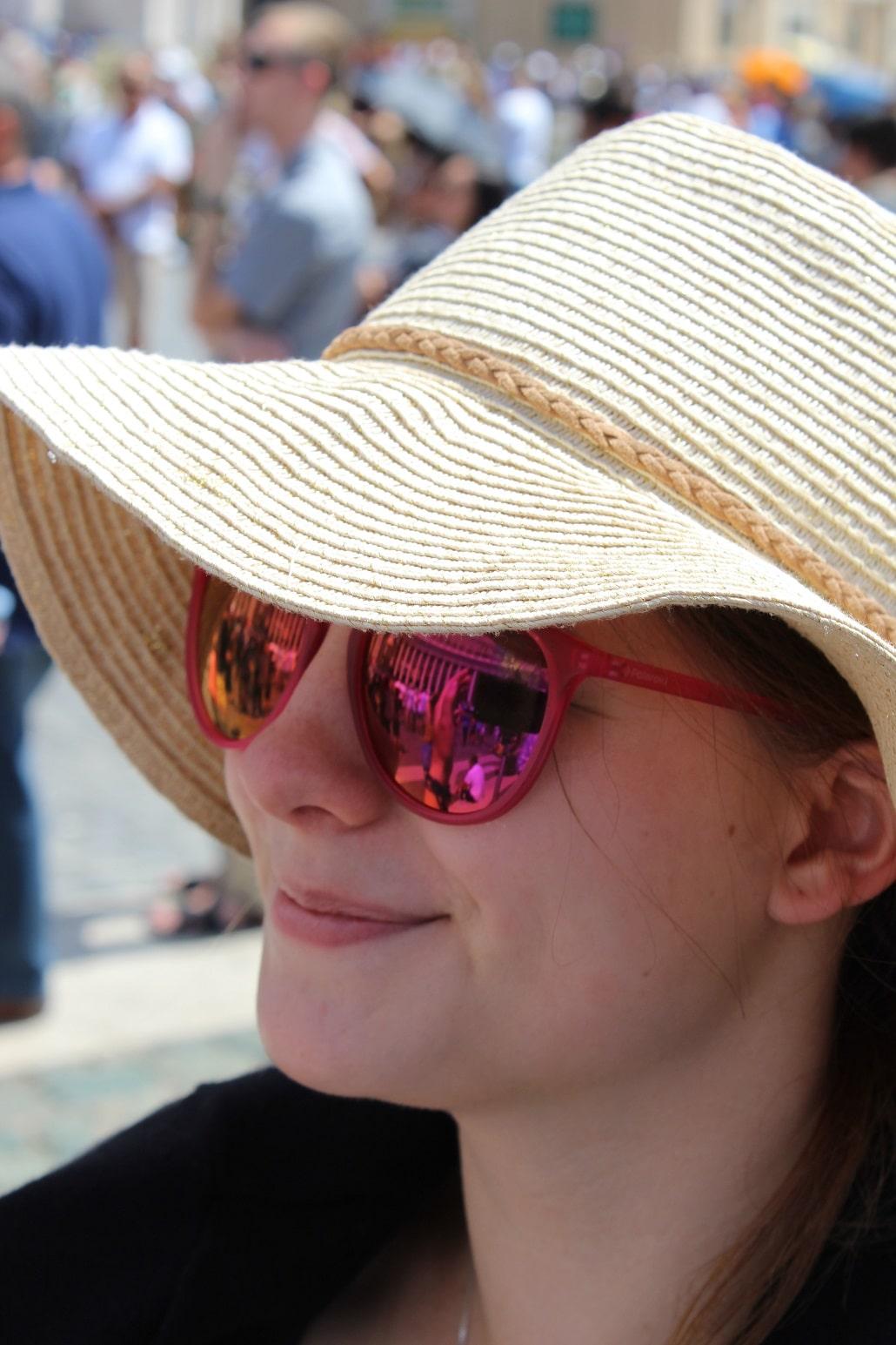 Bezpieczne opalanie z filtrem UV na twarzy