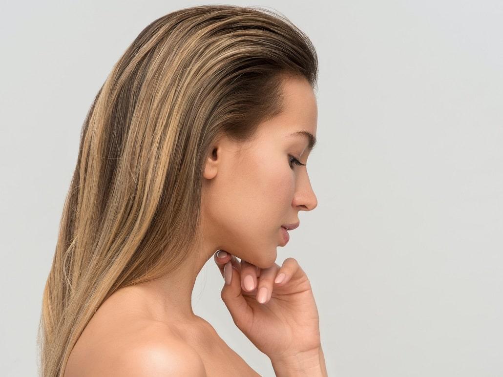 Dziewczyna ze lśniącymi włosami