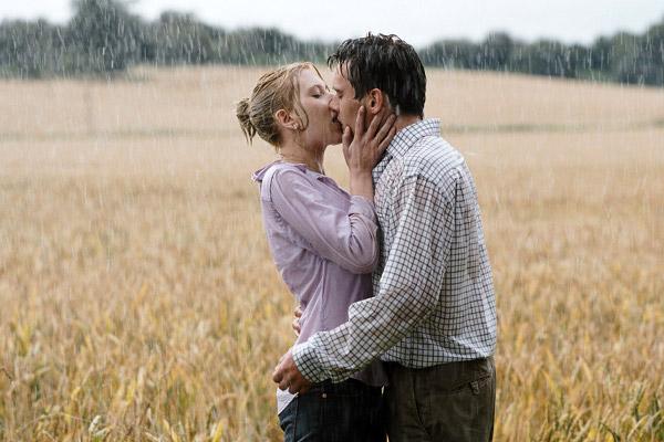 Scarlett Johansson i Jonathan Rhys Meyers w filmie