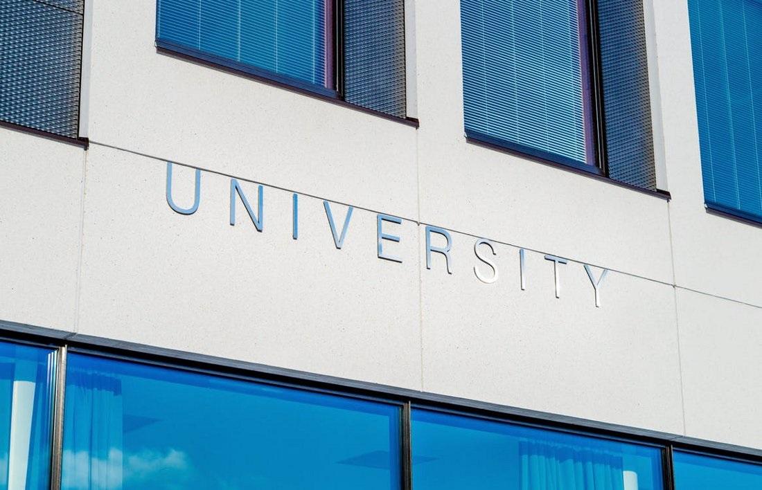 Zobacz, które uczelnie oferują najdroższe kierunki studiów na świecie.