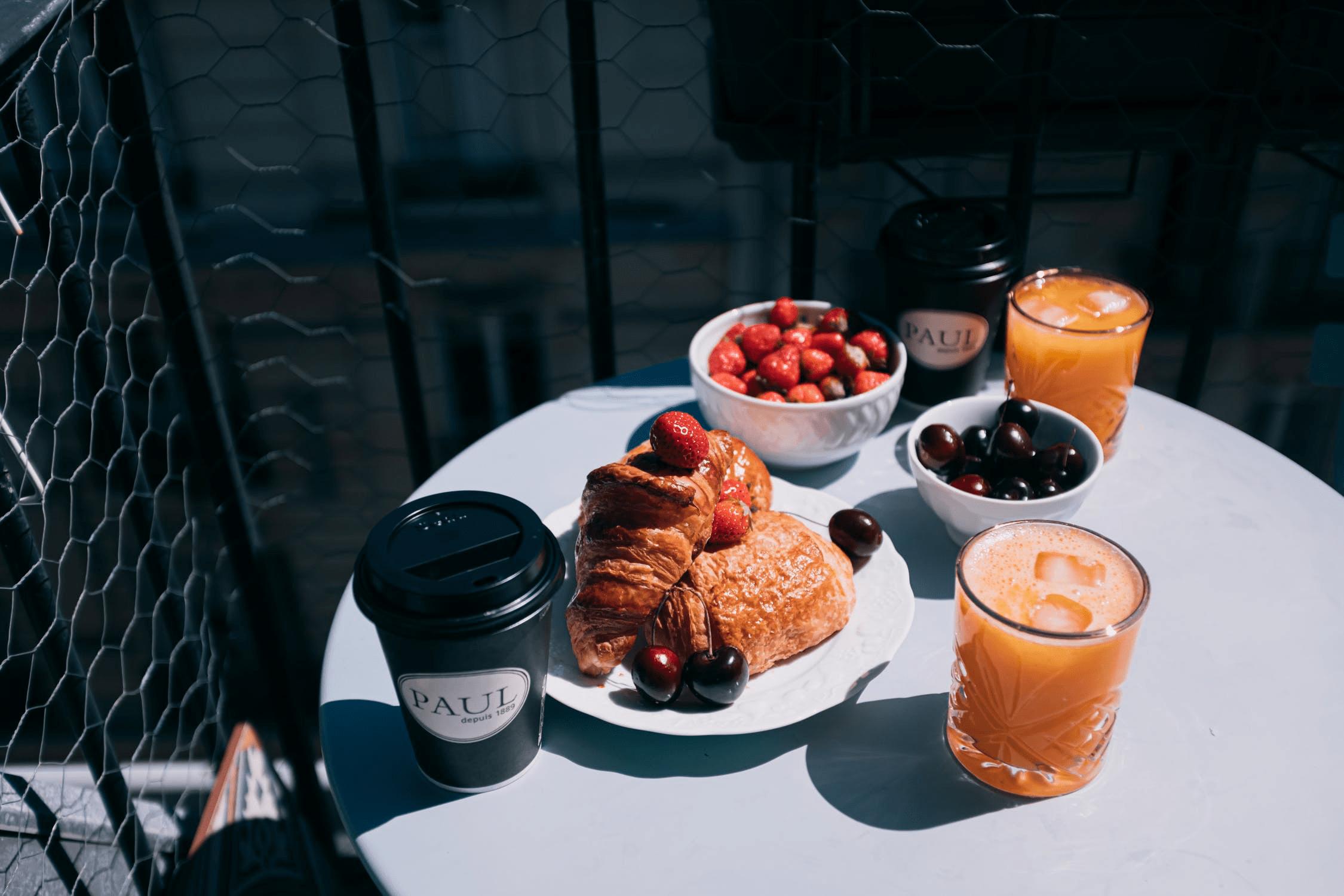 Ciekawe pomysły na kreatywne letnie śniadanie