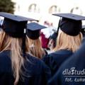 Firmy otwierają się na pracowników tuż po studiach - rynek pracy absolwenci studenci praca tuż po studiach praca bez doświadczenia