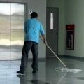 Czy można zarobić na sprzątaniu? - sprzątanie osiedli mieszkaniowych firma sprzątające zatrudnienie oferty praca zarobki