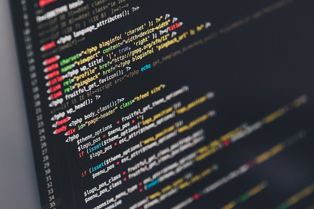Monitor wyświetlający kod programu
