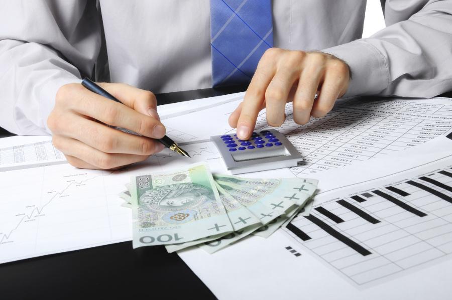 Kredyt inwestycyjny vs faktoring