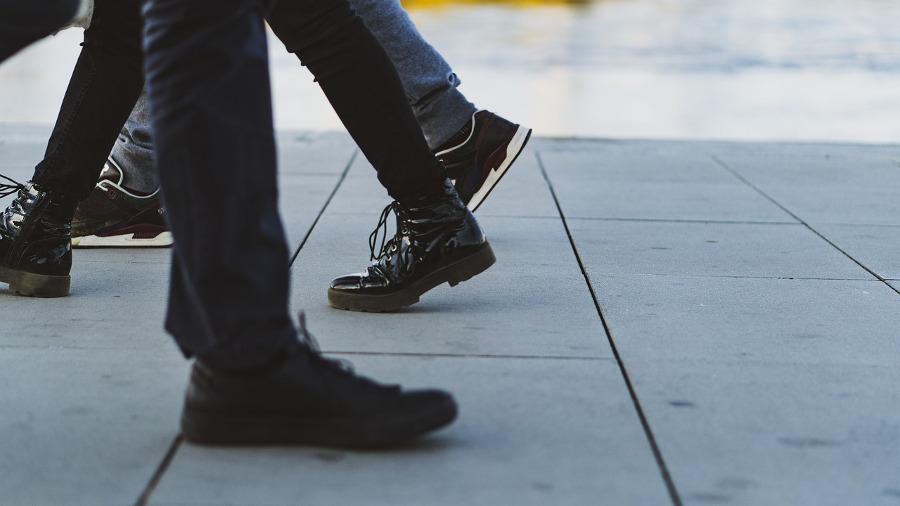 buty a roznoszenie wirusów