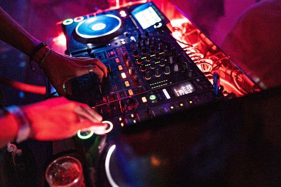 wesele z DJ-em