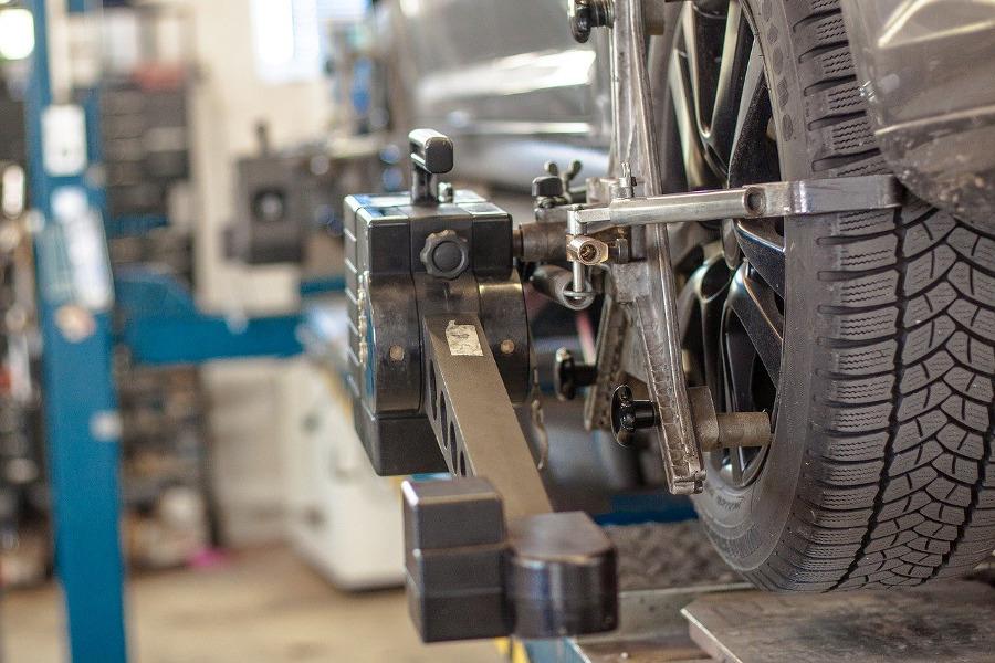 Naprawa samochodu w autoryzowanym serwisie