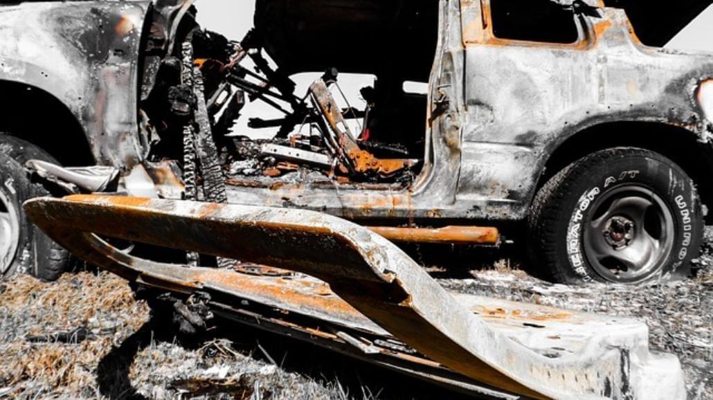 Jak zachować się, gdy widzimy wypadek samochodowy?