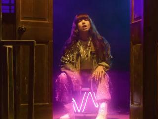 """Viki Gabor w anglojęzycznym singlu """"Forever and a Night"""" [WIDEO] - teledysk, klip, piosenka, 2020"""
