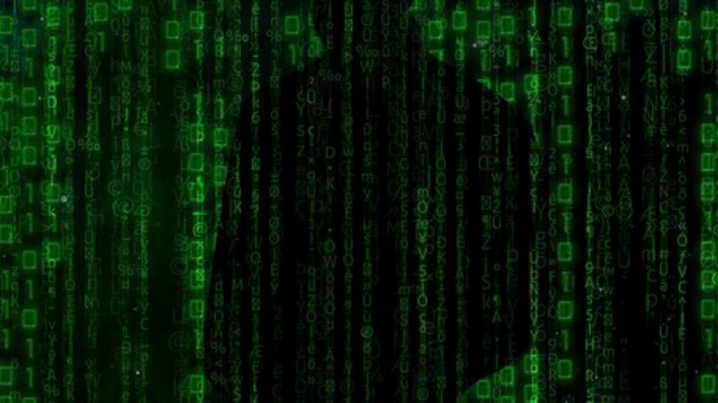 Uwaga! Nowa aplikacja porno robi zdjęcia i szantażuje ofiarę