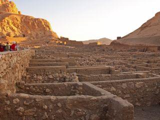 Praca po archeologii - praca w archeologii, badania archeologiczne, na czym polega praca archeologa, praca archeologa