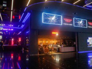 """Newsy z weekendu: zamknięte kina, nowy film Joaquina Phoenixa i """"Deadpool 3"""" - wiadomości, filmy, zapowiedzi, 2020, nowości, aktualności"""