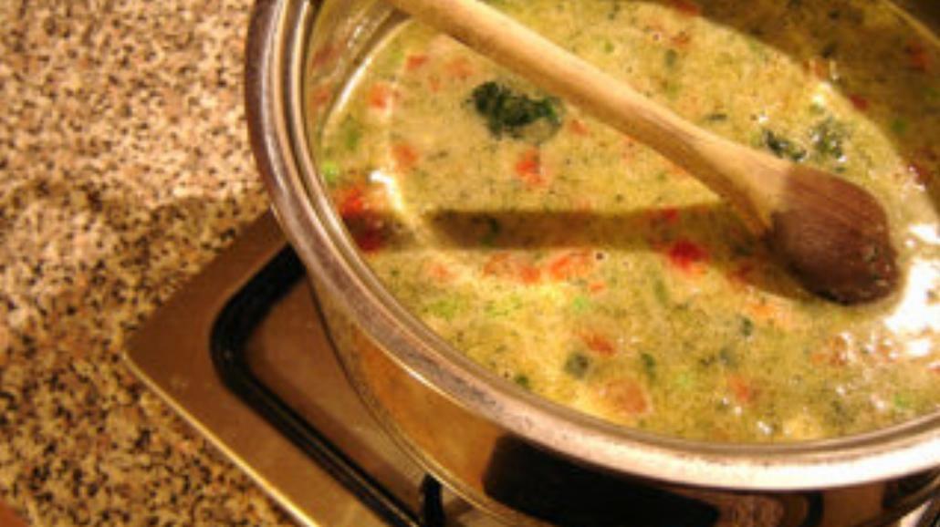 Lekka zupa ze szpinaku z dynią i słonecznikiem