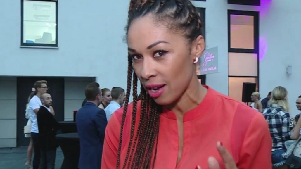 Omenaa Mensah diametralnie zmieniła swój wygląd [WIDEO]