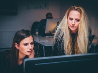 Kobieta na rynku pracy - w których branżach znajduje zatrudnienie? - praca w Polsce, praca dla kobiet, zatrudnienie kobiet, 2021