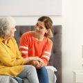 Czy wiek opiekunki ma znaczenie? Praca w roli opiekunki osób starszych za granicą