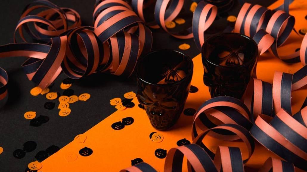 Poznaj przepisy na mroczne drinki na Halloween!