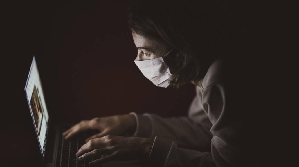 Koronawirus w Polsce: ZUS idzie na rękę osobom w izolacji domowej - online, zdalnie, zaświadczenie, system EWP, Centrum e-Zdrowia