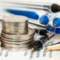 Ile będziemy zarabiać w 2022 r.? Podniesienie płacy minimalnej i stawki godzinowej - płaca minimalna, minimalna stawka godzinowa