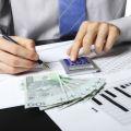 Kredyt inwestycyjny vs faktoring. Co lepsze? Jakie są różnice między tymi formami finansowania?
