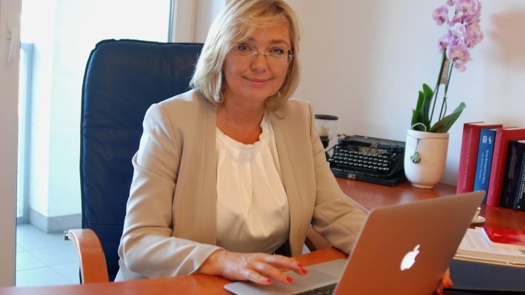 Dziekan Wydziału Prawa i Administracji UZ została profesorem nauk prawnych.