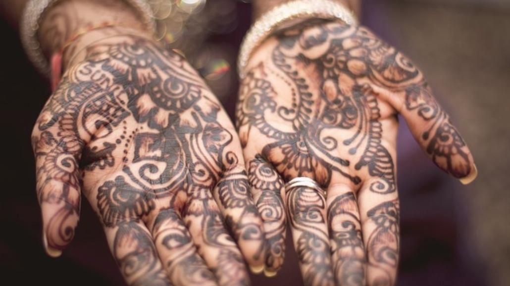 Hit lata: złote tatuaże