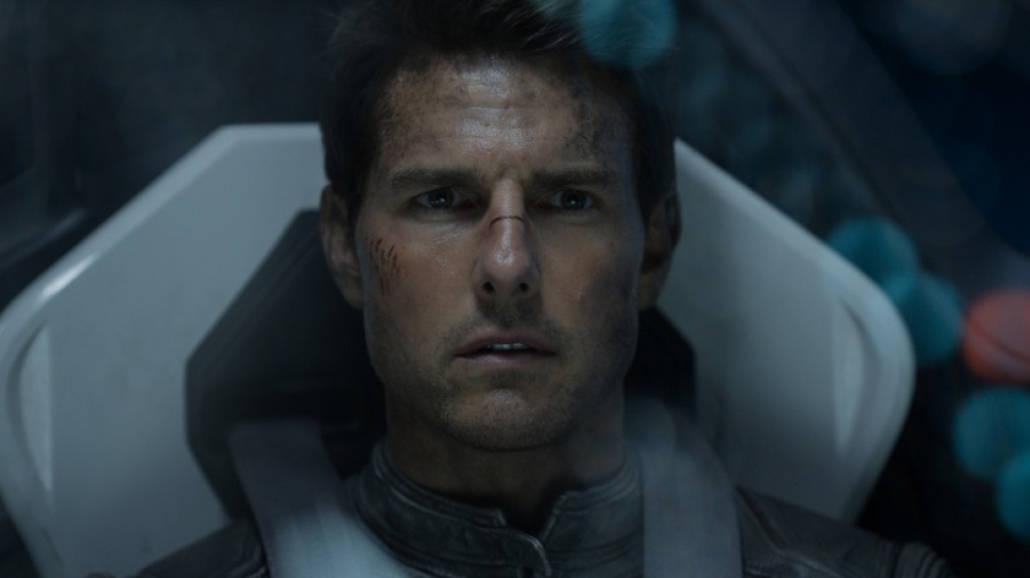 """Tom Cruise w filmie """"Niepamięć"""""""