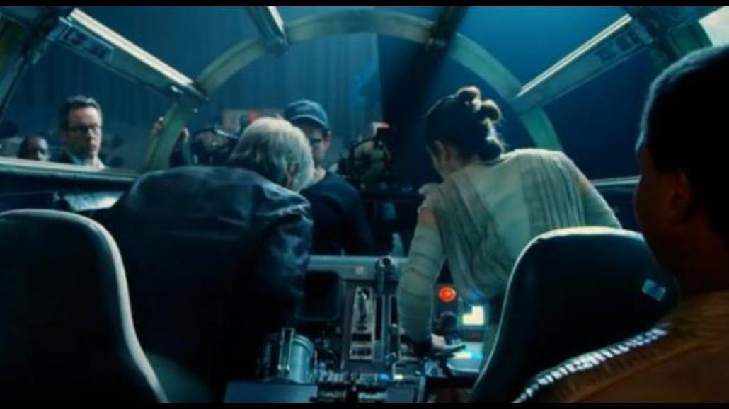 """""""Gwiezdne Wojny: Przebudzenie Mocy"""" powstawało klasycznie - zobacz film z planu [WIDEO]"""