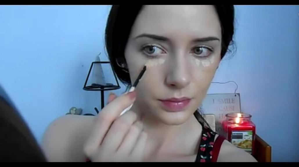 Makijaż, który ukryje wypryski i blizny. Zobacz, jak go zrobić! [WIDEO]