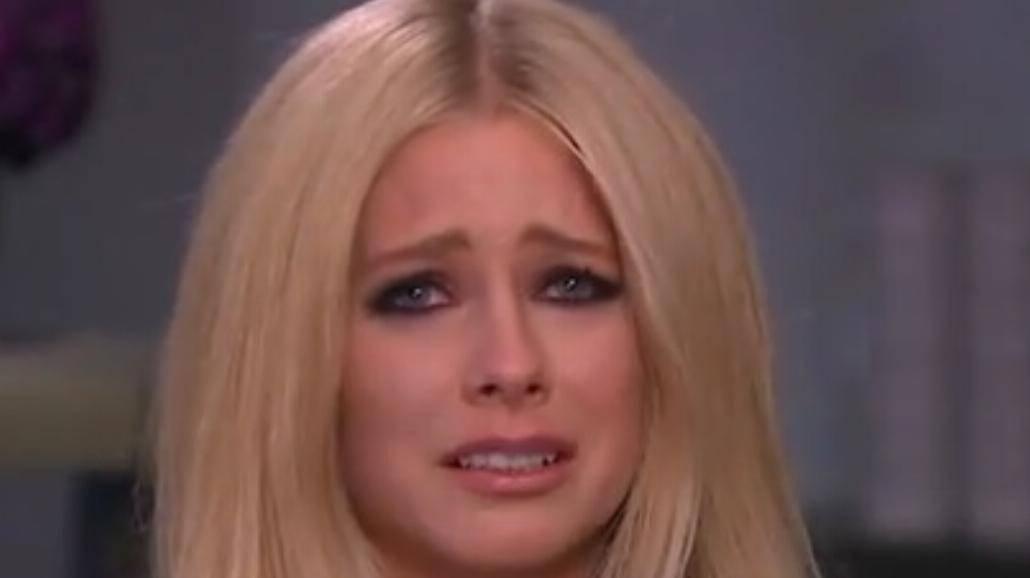 Avril Lavigne jest poważnie chora. Popłakała się na wizji [WIDEO]