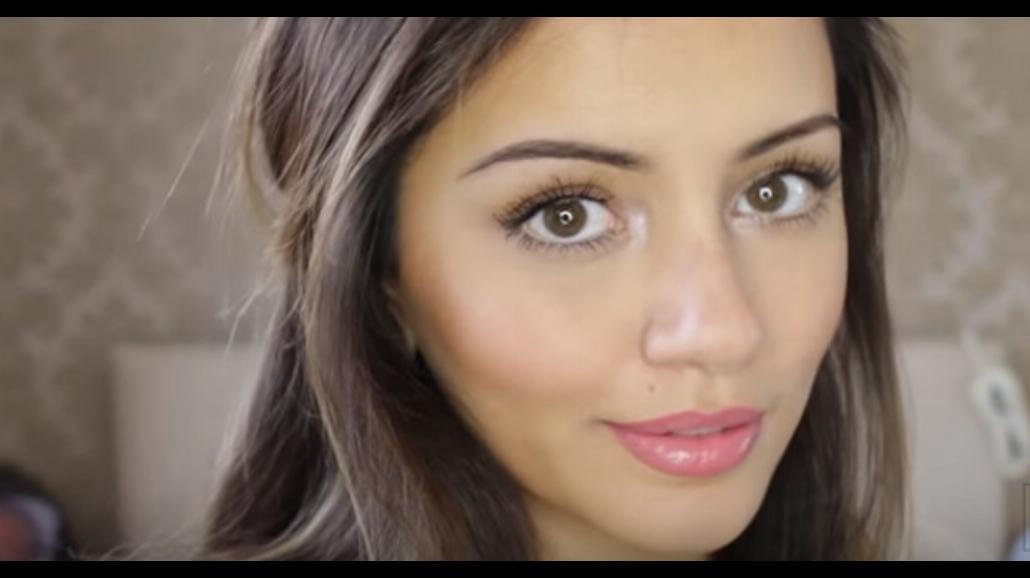 Jak zrobić naturalny makijaż? Zobacz filmik instruktażowy [WIDEO]