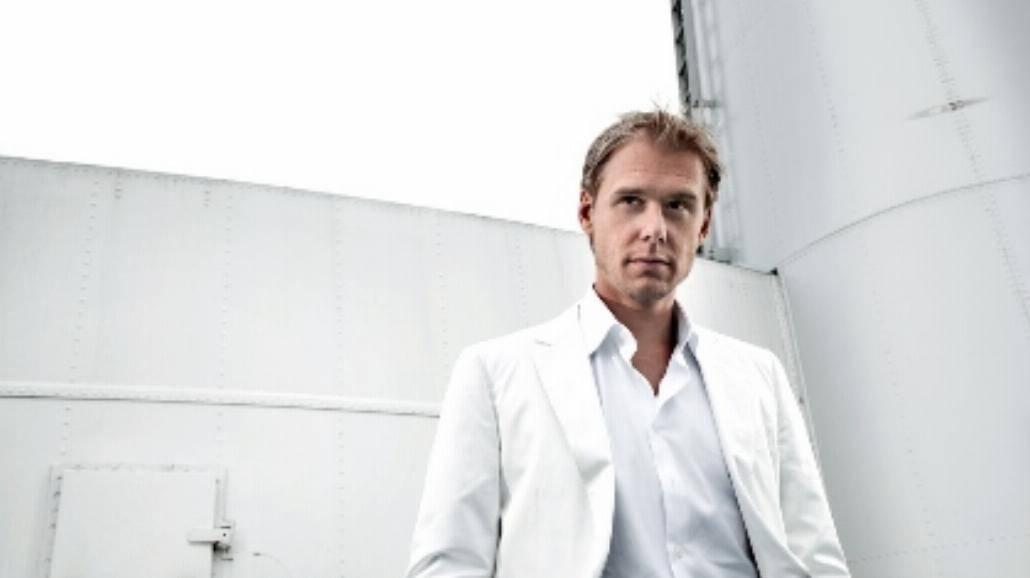 """Armin prezentuje zremiksowany album """"Mirage"""""""
