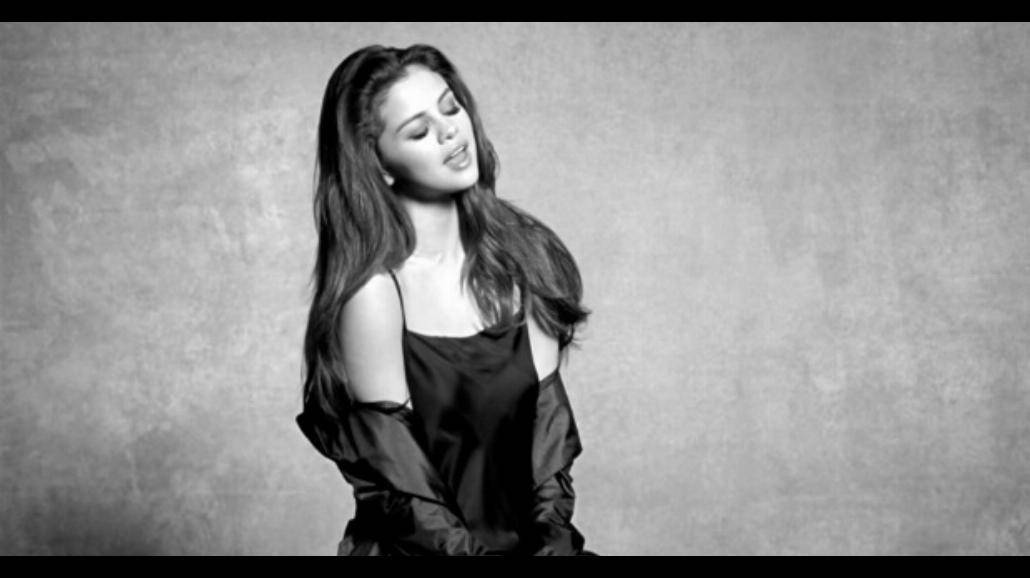 "Selena Gomez uwodzi w klipie ""Kill Em With Kindness"" [WIDEO]"