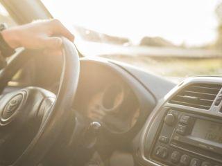 Koniec z mandatami za brak prawa jazdy - nadchodzą rewolucyjne zmiany dla kierowców - pakiet deregulacyjny, prawo jazdy, zmiany, Ministerstwo Cyfryzacji, Ministerstwo Infrastruktury