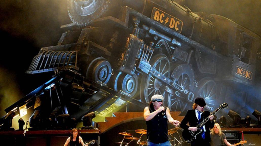 AC/DC przedstawia tytułowy kawałek z nadchodzącego krążka